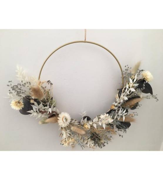 Droogkrans wit natuurlijk, eucalyptus, lagurus, helychrysum, broom bloem